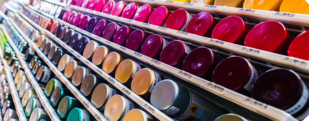 Plačiausias dažų flakonėliuose spalvų pasirinkimas Utenoje